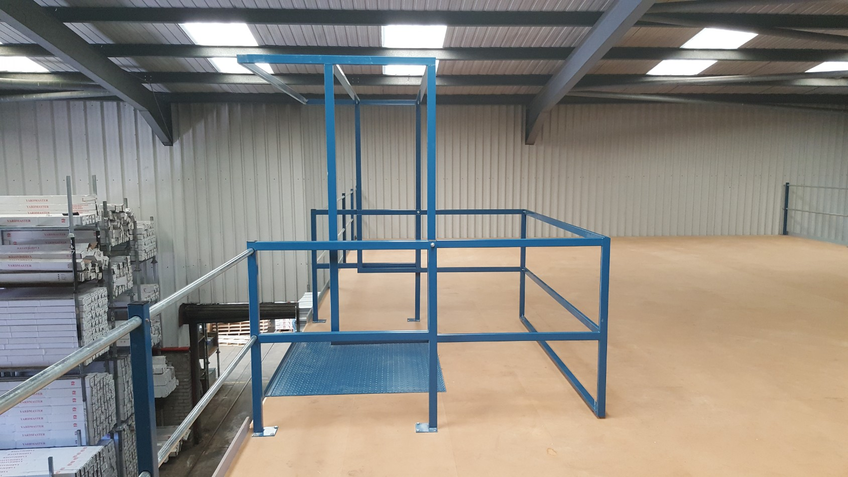 Up and Over Pallet Gate